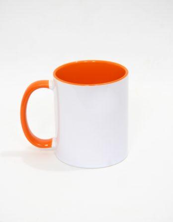 бяла чаша с оранжева отвътре