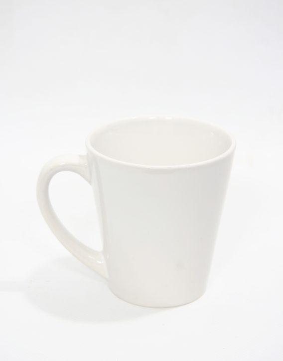 дизайнерска бяла чаша